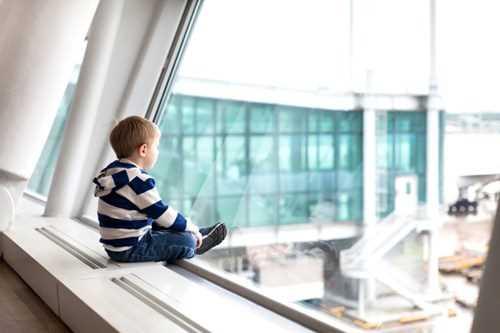 дети 2 года в самолете