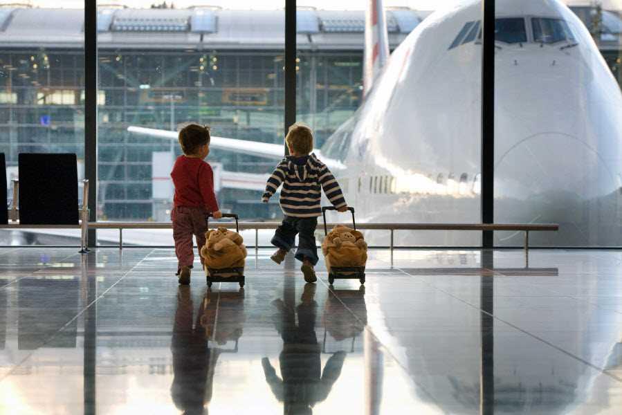 тошнит ли в самолете дети
