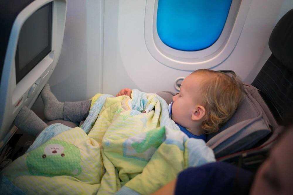 дети самолет сопровождение