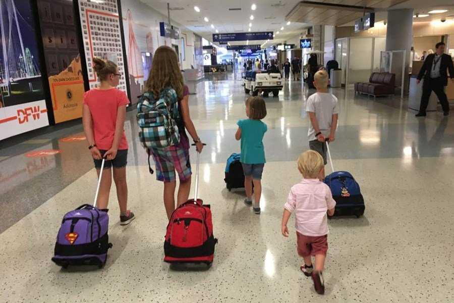 как себя ведут в самолете годовалые дети