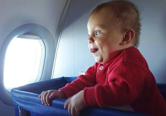 как дети до года летят в самолете