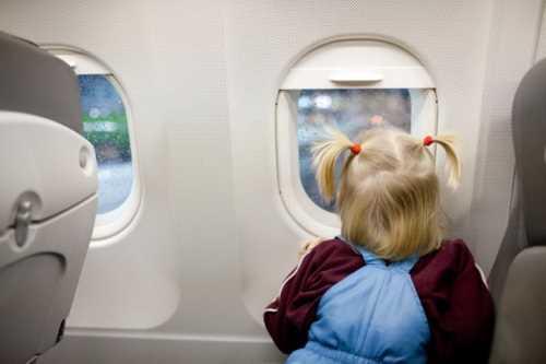 в самолете дети до 2 лет
