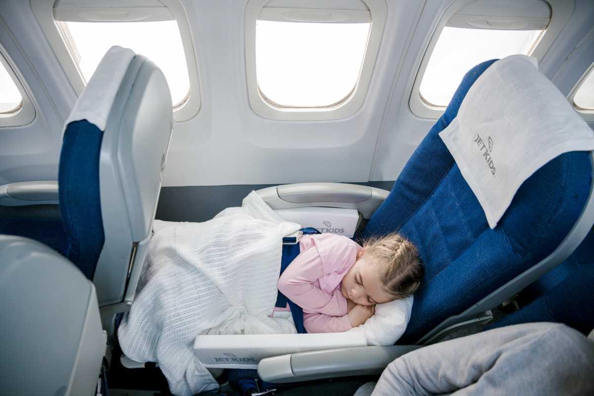 дети до года перелет в самолете