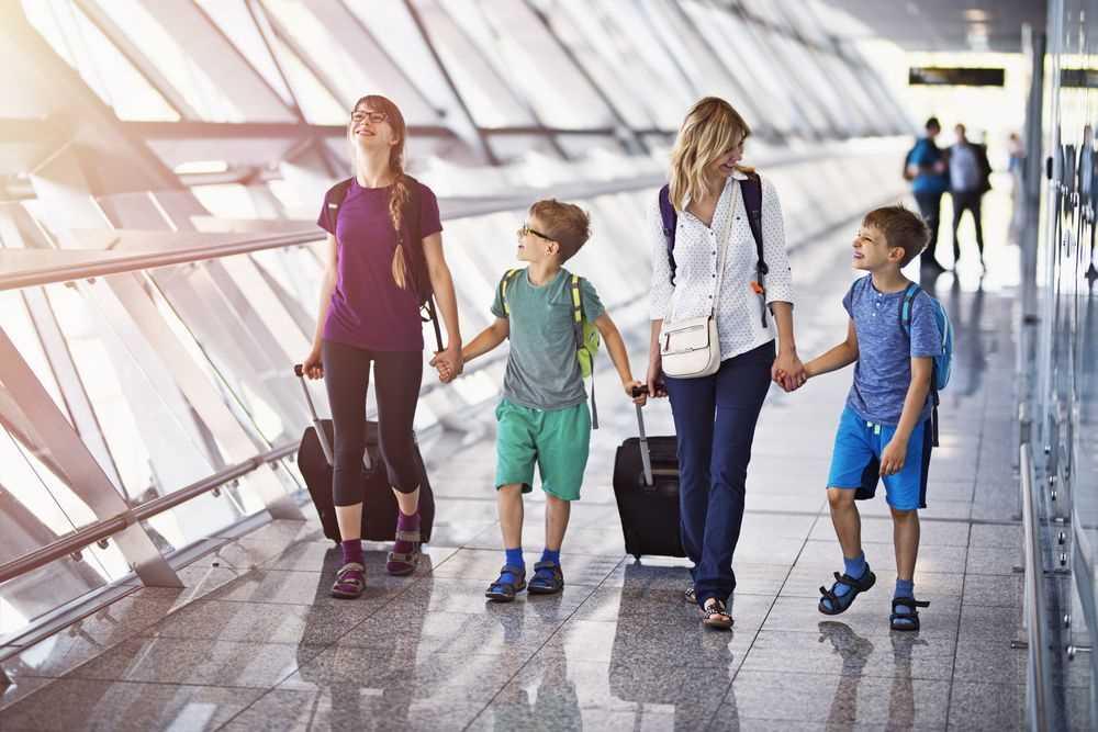 дети в самолете не закладывало