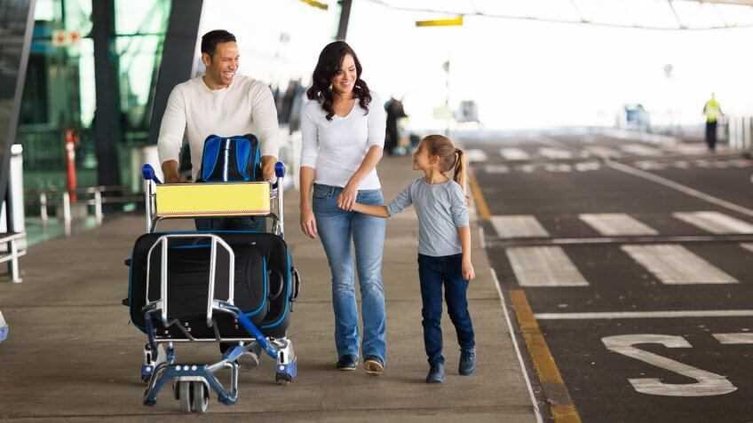 как трехлетние дети переносят перелет в самолете