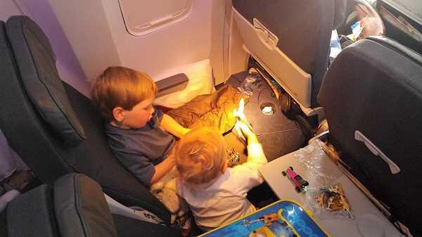 дети до 2х лет в самолете бесплатно