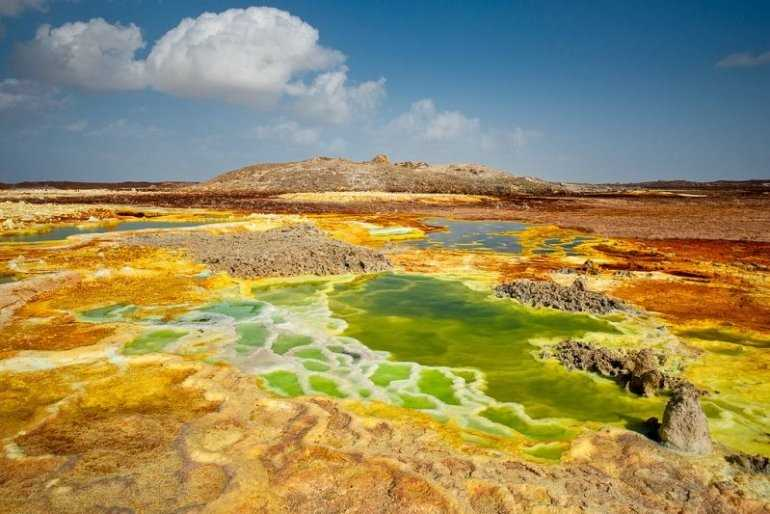 Уфологи составили подборку для туристов о самых неземных местах на планете