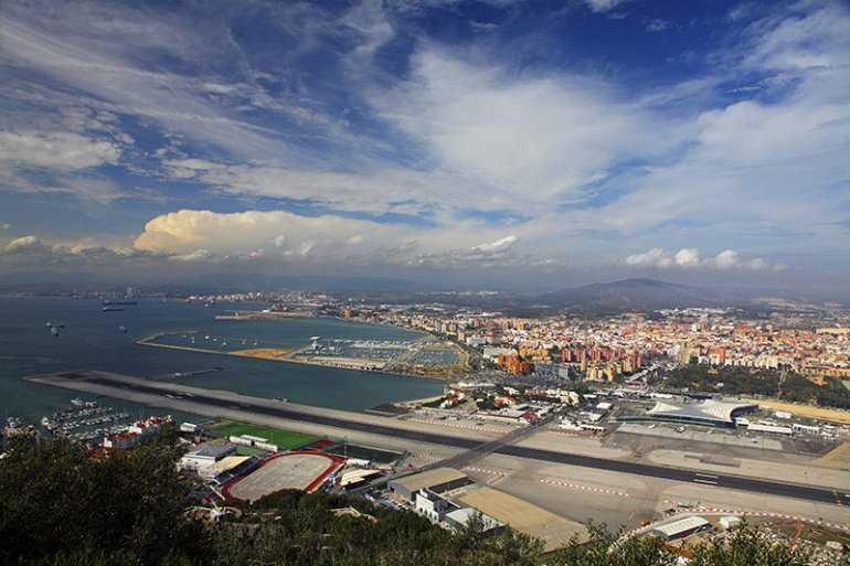 Щекочущий нервы аэропорт Гибралтара
