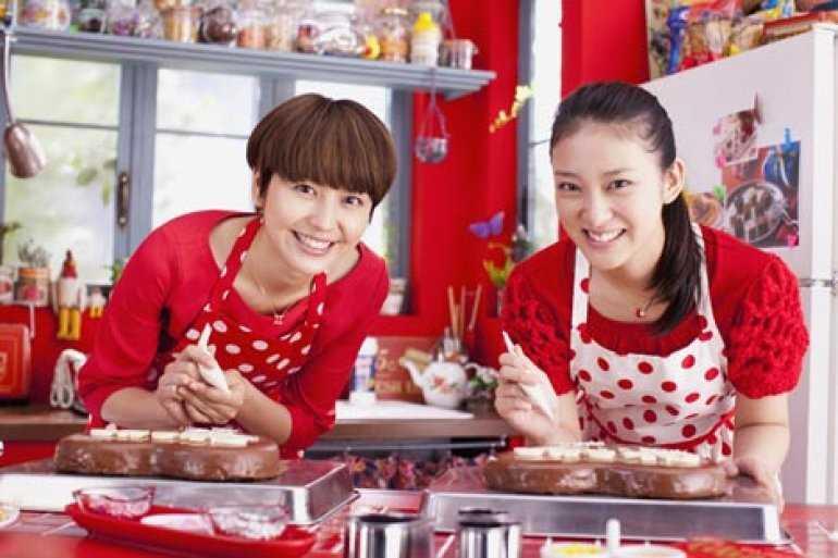 Японцы назначают свидания в Шоколадном кафе