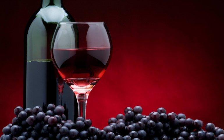 Красное вино замедляет старение