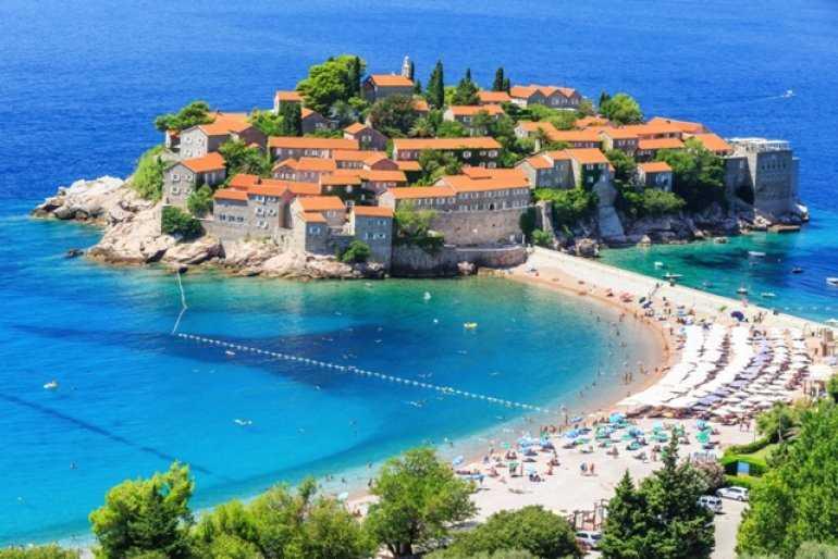 Черногория земная и водная