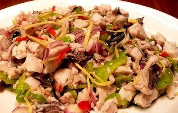 Салат с мясом кролика