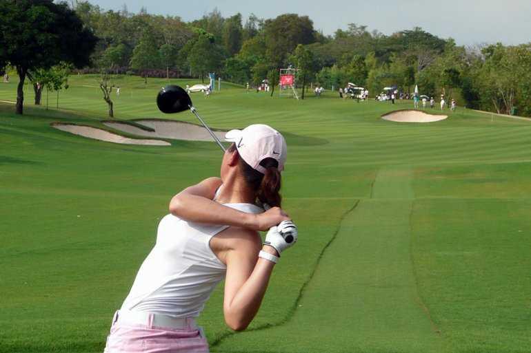 Поиграем в гольф в Паттайе