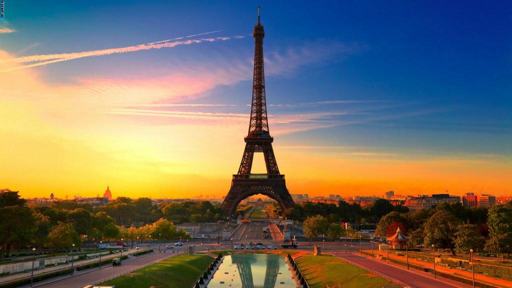 У меня Франция всегда ассоциировалась с роскошью, высокой кухней и дорогим, и каким-то особенным сервисом.