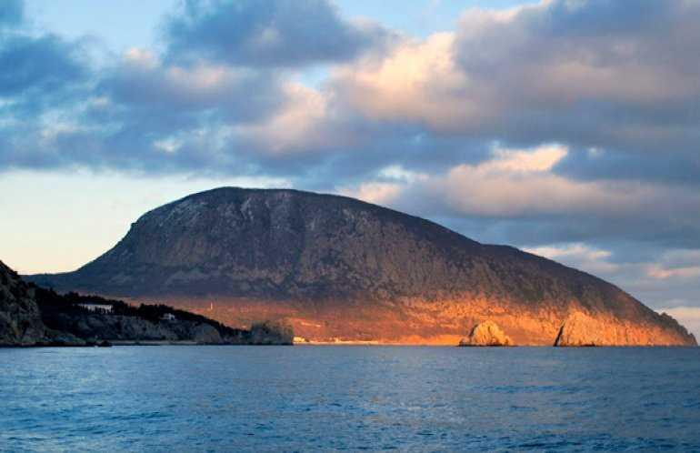 Удивительные мифы о горе Аю-Даг - горе Медведе