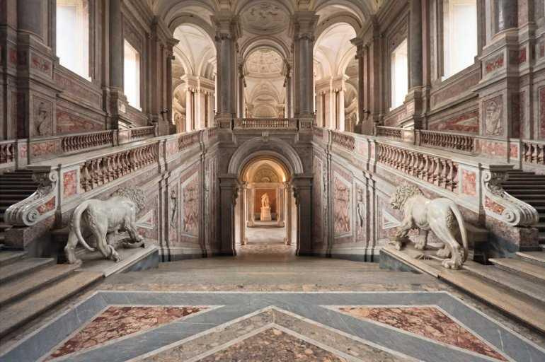 Обязательно к посещению: Королевский дворец в Казерте