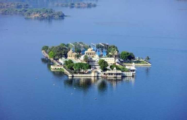 Дворцы озера Пичола