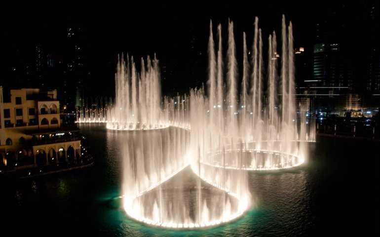 Песни фонтанов в Дубае