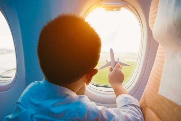 Берем детей в путешествие или как ведут себя маленькие дети в самолете (или – это никогда не бывает легко)