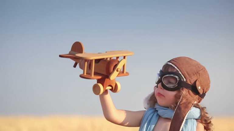 Это делать запрещено! Или 6 способов развлечь детей на самолетах (без использования гаджетов)