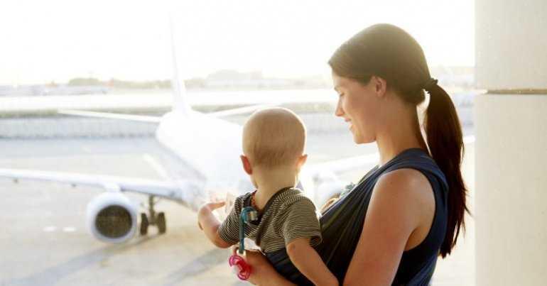 Особенности перелета с полугодовалыми детьми - дети в самолете