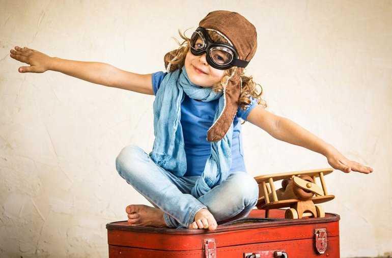 Дети в самолете: Что нужно знать о перелете ребенка 7 лет