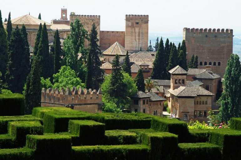Загадочный и мистический дворец Альгамбра