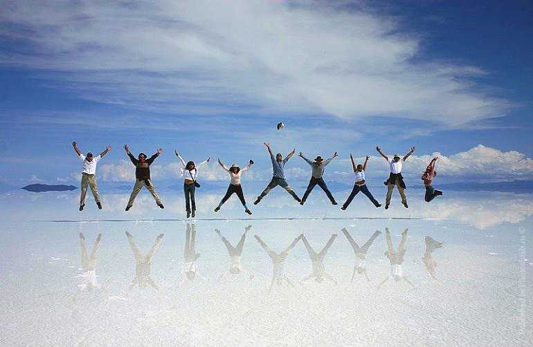 Где найти ошеломляющее соляное озеро? В Боливии!
