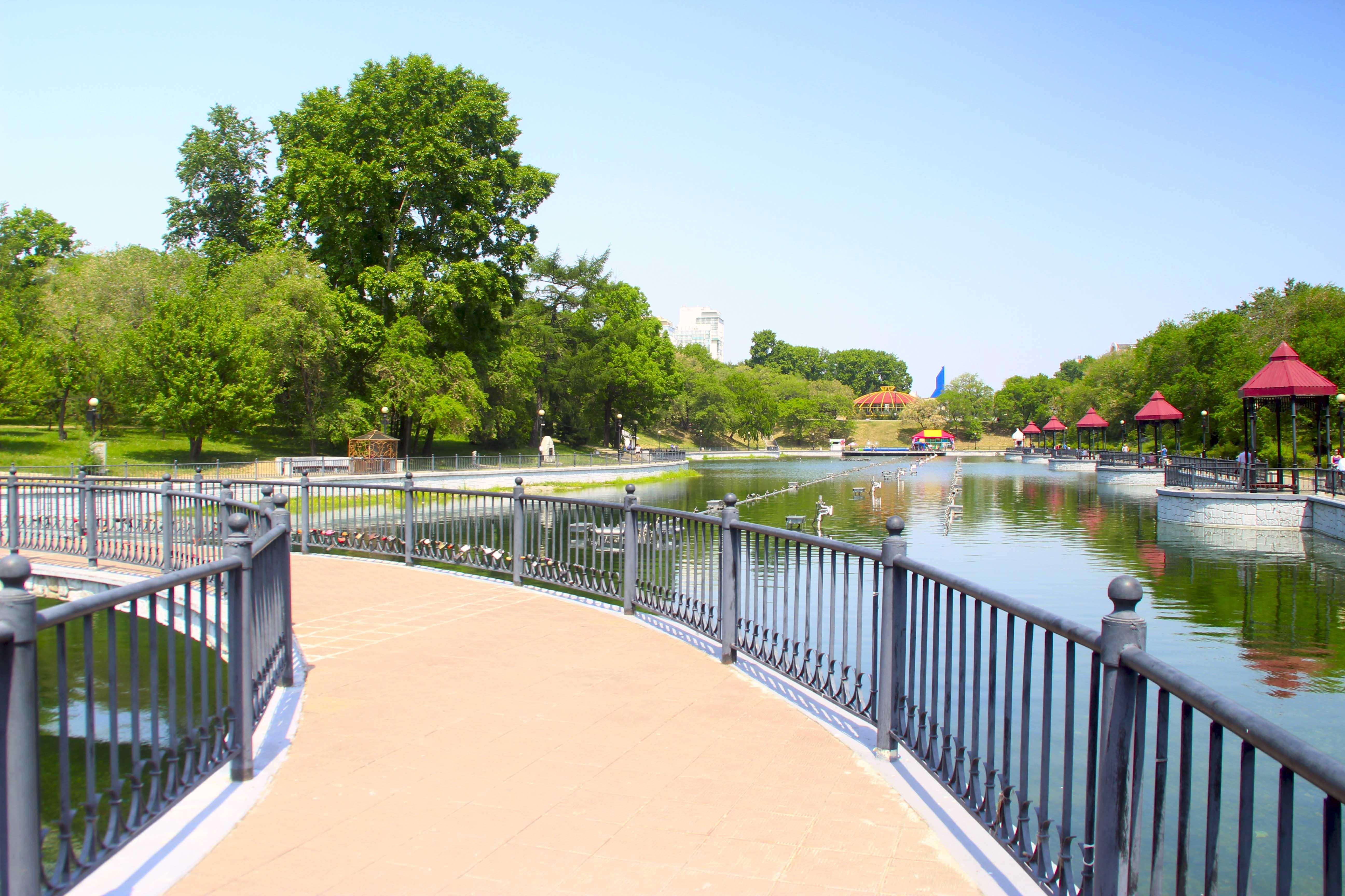 Парк с прудами. Хабаровск
