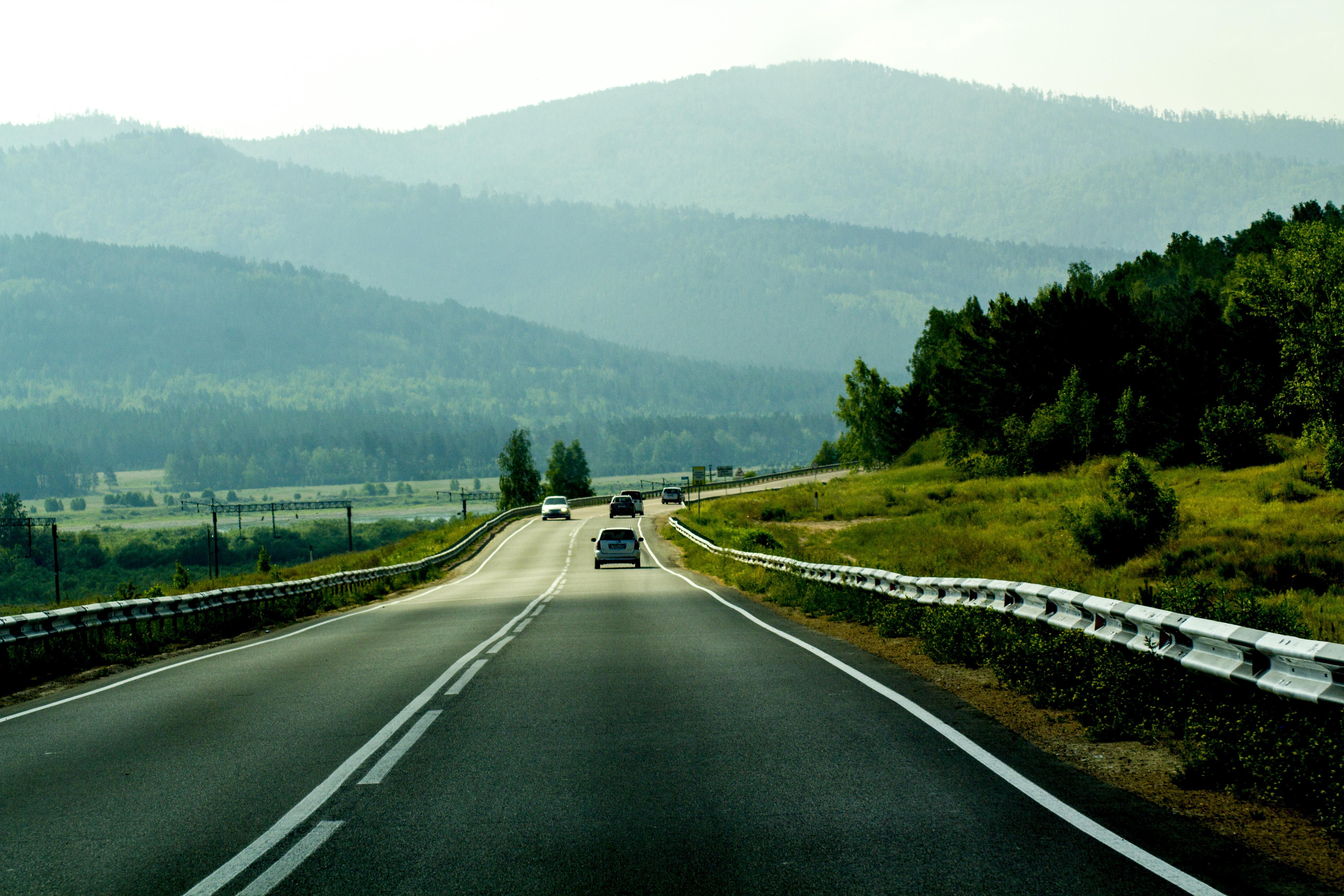 В путешествиях иногда дорога кажется бесконечной.