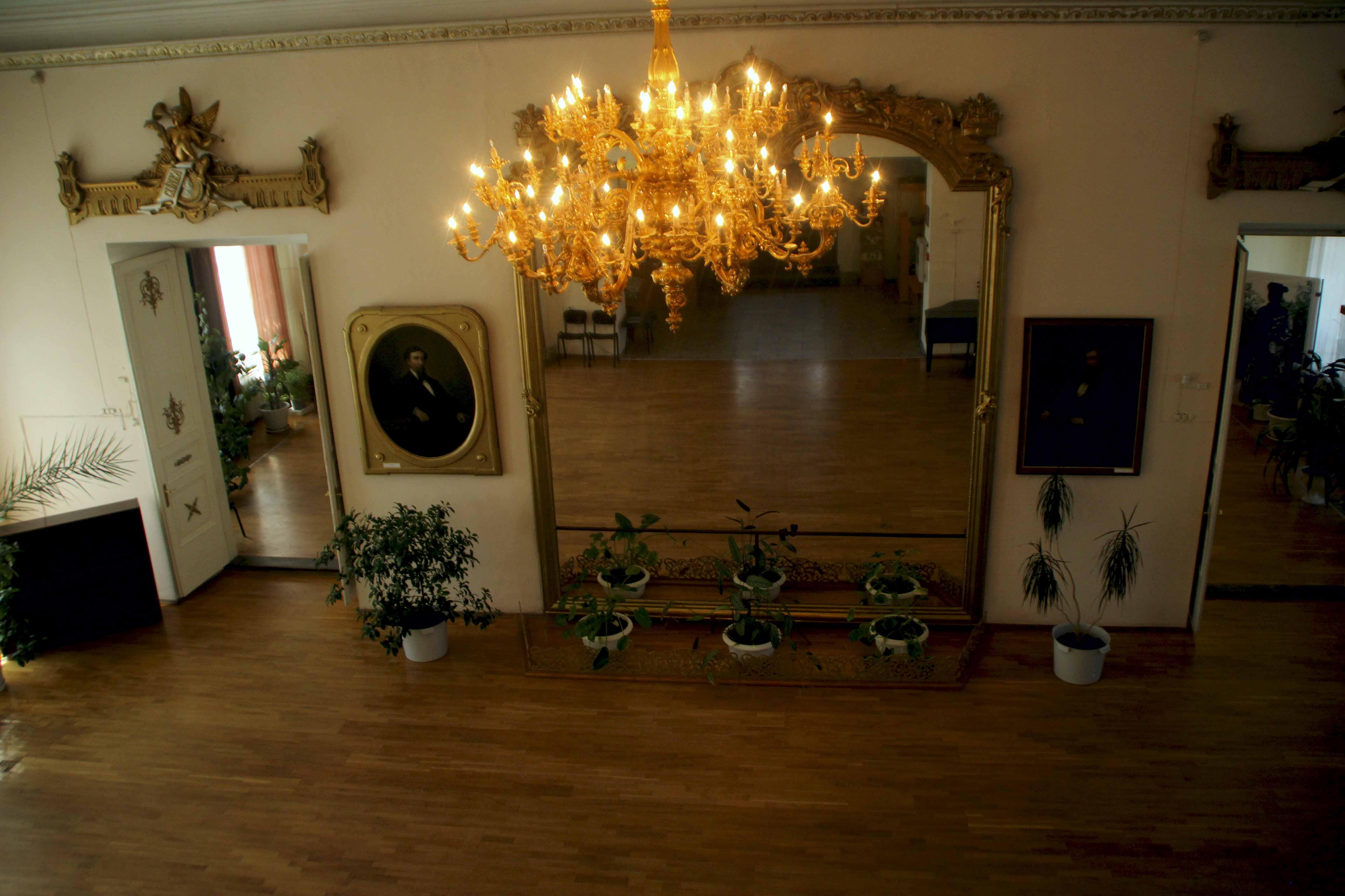 Главная зала Бутинского дворца. Нерчинск