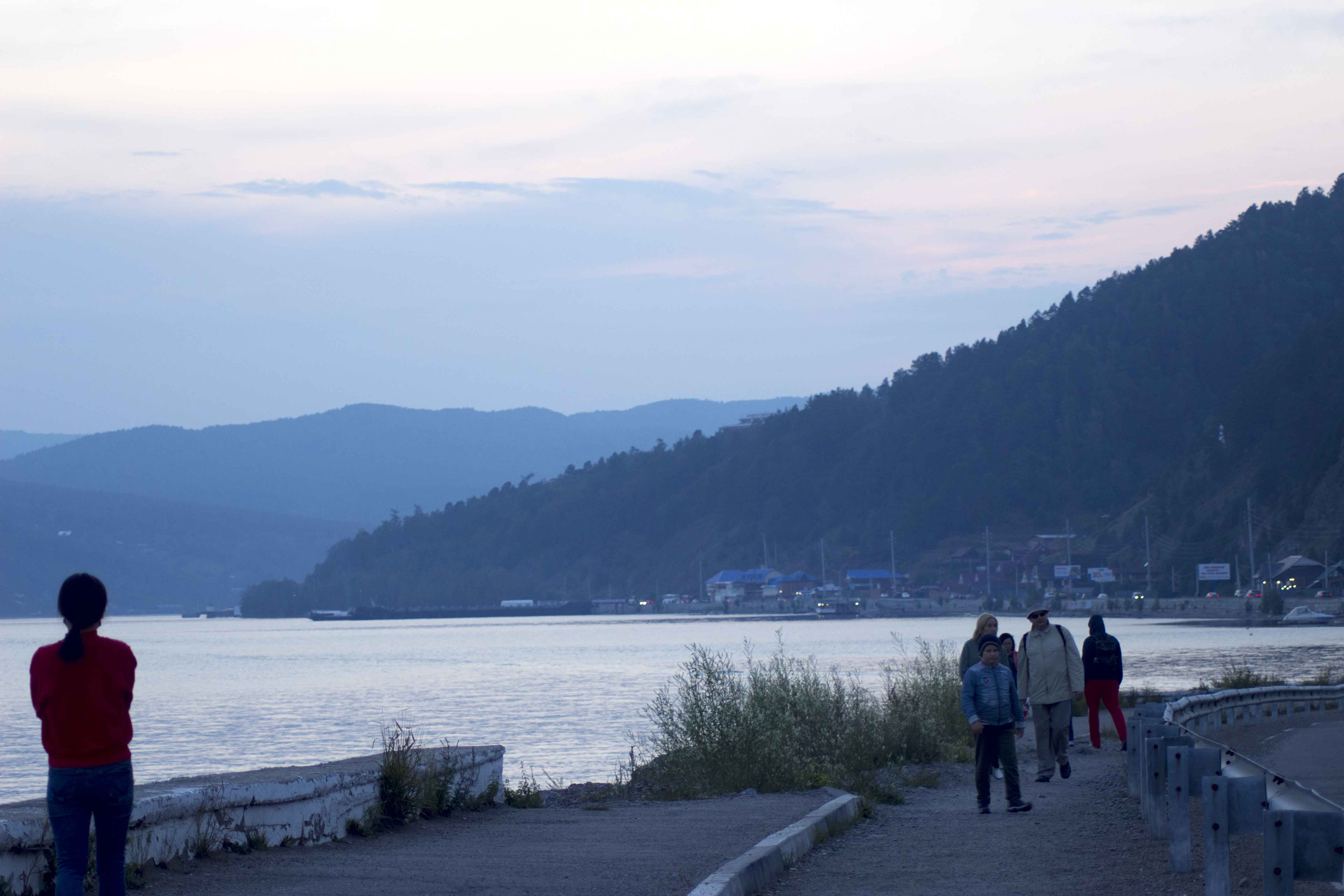 Прогулка по набережной Байкала. Листвянка