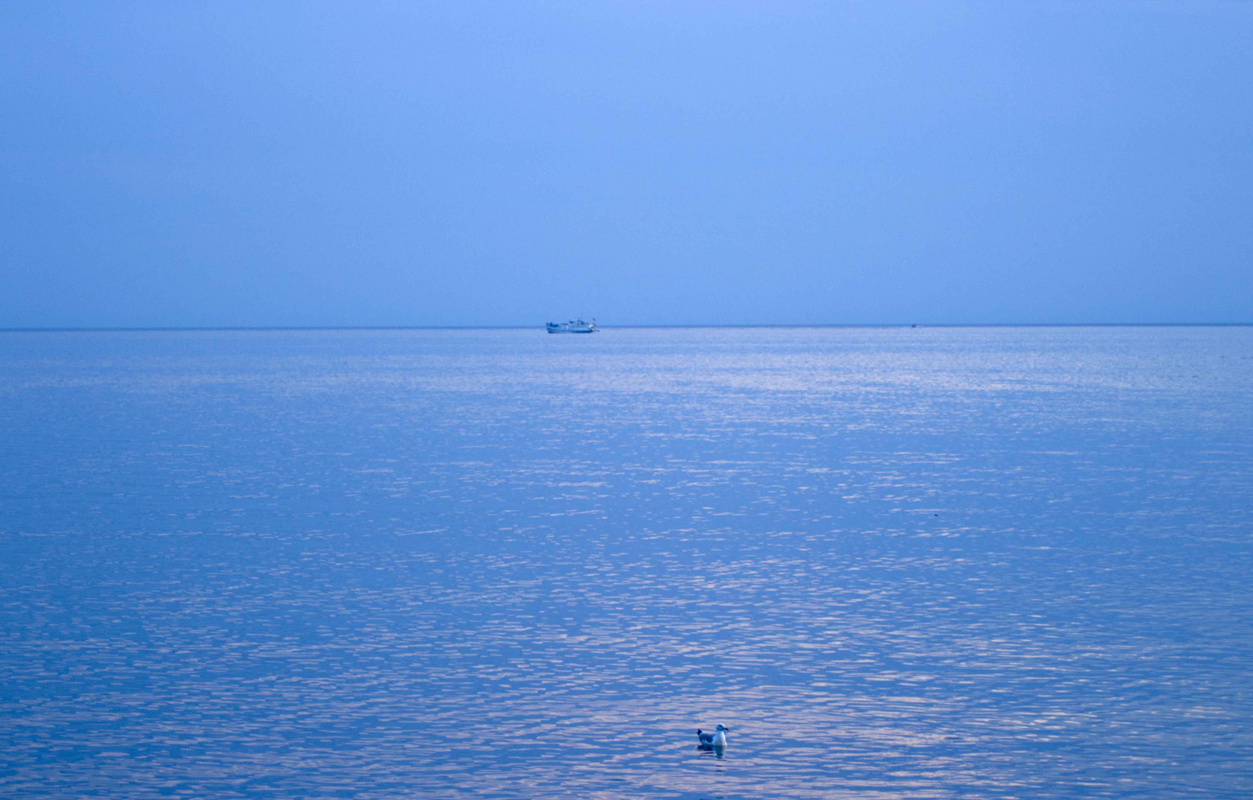 Лазурная синь Байкальских берегов